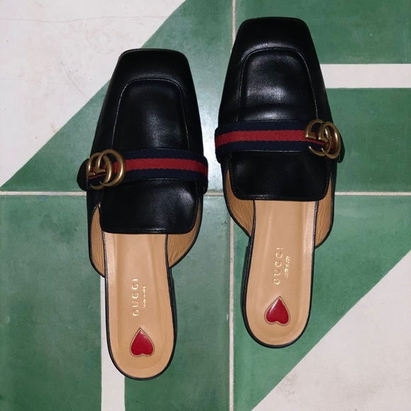 2bcc973d346 Gucci Shoes -   GUCCI LEATHER SLIPPER IN BLACK   - SIZE 40-